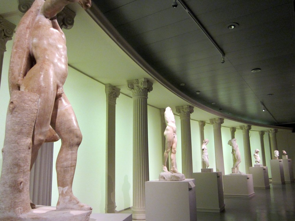 2011 Rückkehr der Götter - Kunsthalle Leoben © Winter Artservice