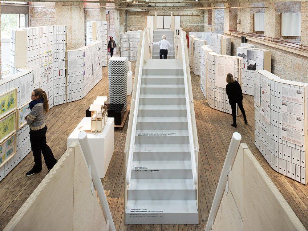 """Ausstellungsansicht """"Form folgt Paragraph"""" Architekturzentrum Wien © Lisa Rastl"""