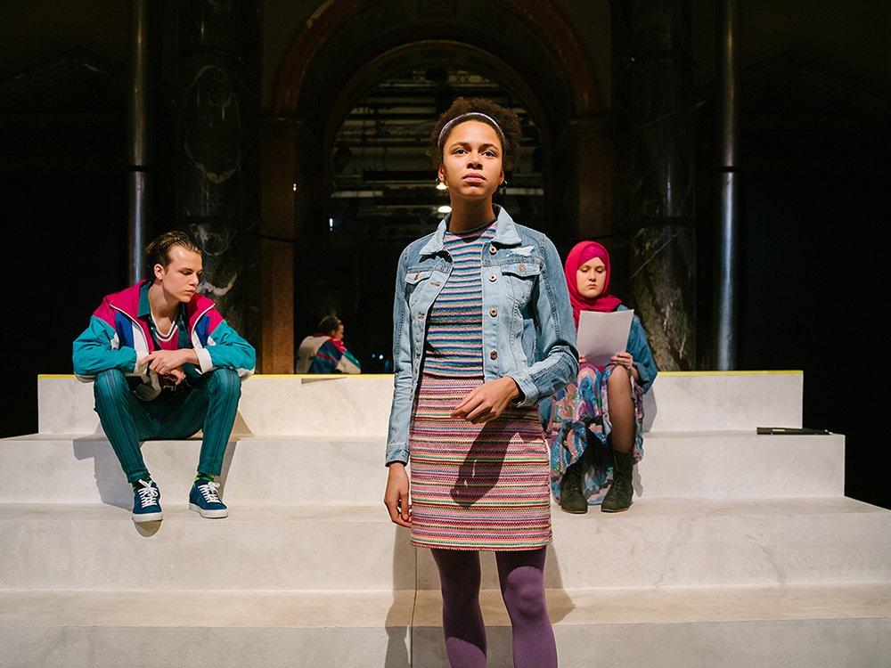 2019 - Burgtheater – Kriegerin © Marcella Ruiz Cruz – Burgtheater