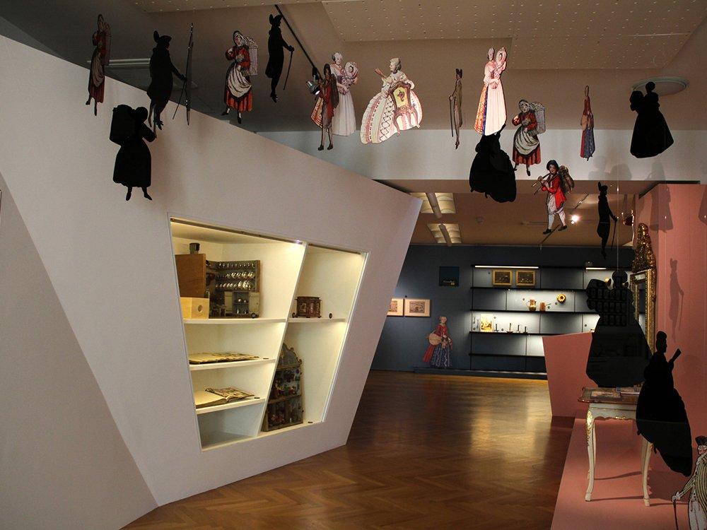 der perfekte haushalt aus papier. Black Bedroom Furniture Sets. Home Design Ideas